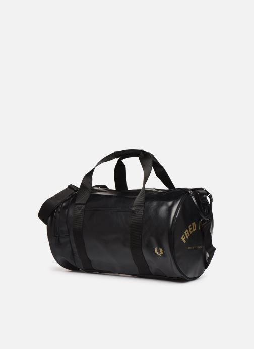 Sacs de sport Fred Perry Tonal Barrel Bag Noir vue portées chaussures