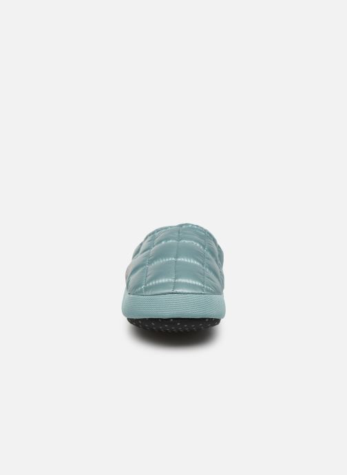 Pantuflas The North Face ThermoBall™ Tent Mule V Azul vista del modelo