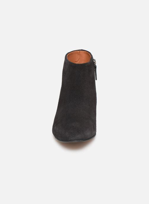 Bottines et boots Anonymous Copenhagen KYRA Gris vue portées chaussures