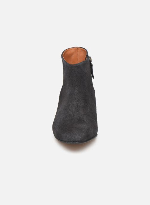 Stiefeletten & Boots Anonymous Copenhagen KYRA schwarz schuhe getragen