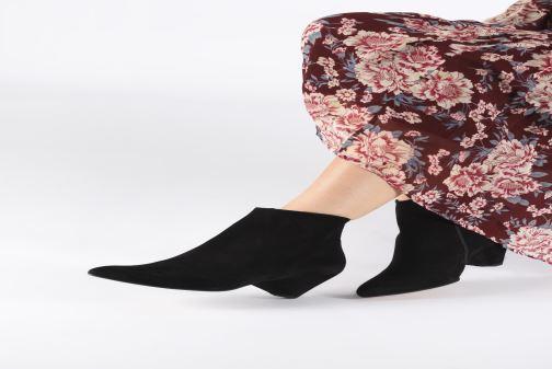 Bottines et boots Anonymous Copenhagen NIVA TRIANGLE Noir vue bas / vue portée sac