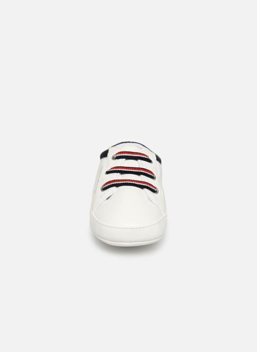 Baskets Tommy Hilfiger Tommy 30407 Blanc vue portées chaussures