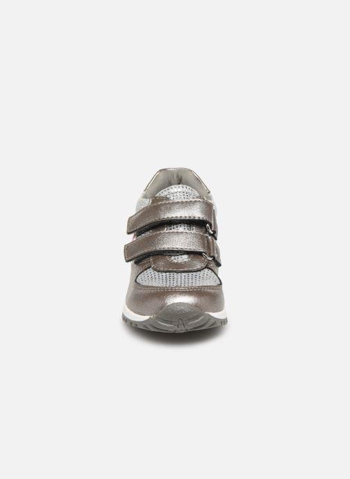 Baskets NA! After Gris vue portées chaussures