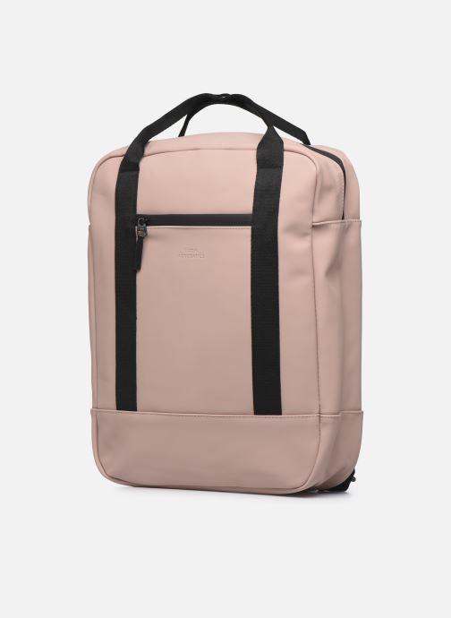 Mochilas UCON ACROBATICS ISON Backpack Rosa vista del modelo