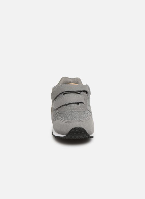 Trainers Le Coq Sportif Alpha II INF CRAFT Grey model view