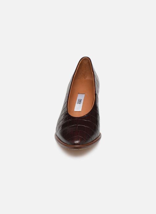 Zapatos de tacón Miista Bernadette Marrón vista del modelo