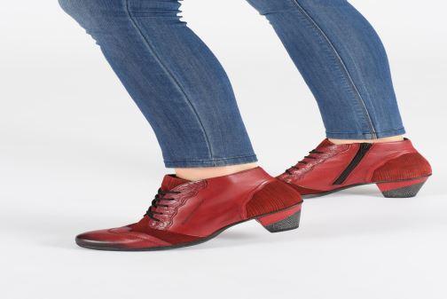 Bottines et boots Remonte Moon Rouge vue bas / vue portée sac