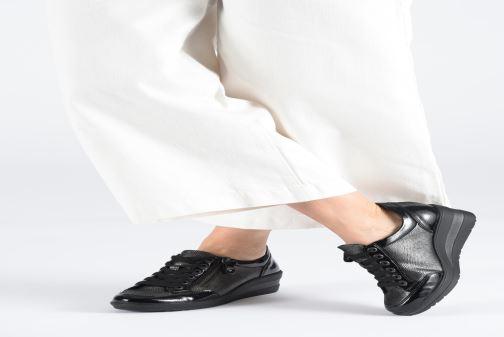 Sneaker Remonte Elisa schwarz ansicht von unten / tasche getragen