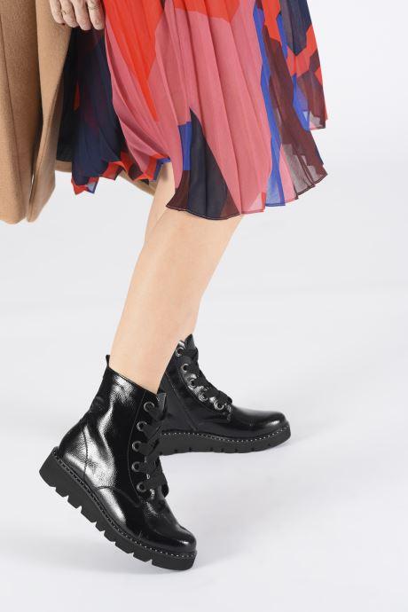 Bottines et boots Remonte Jody Noir vue bas / vue portée sac