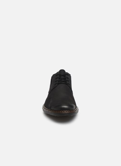 Scarpe con lacci Rieker Rim Nero modello indossato