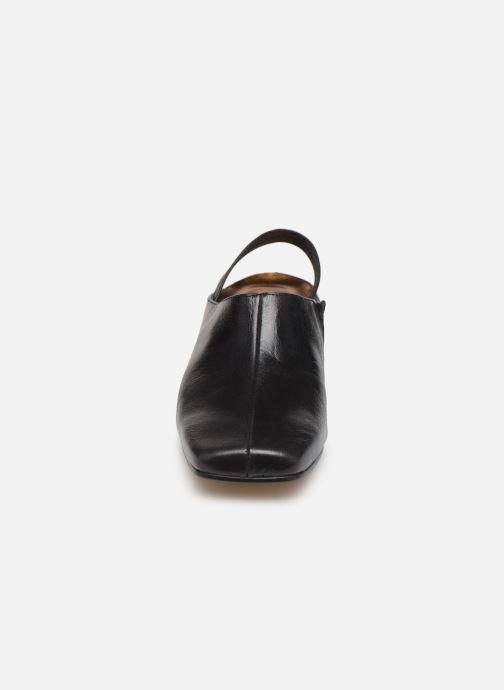 Sandals About Arianne Tilda Black model view
