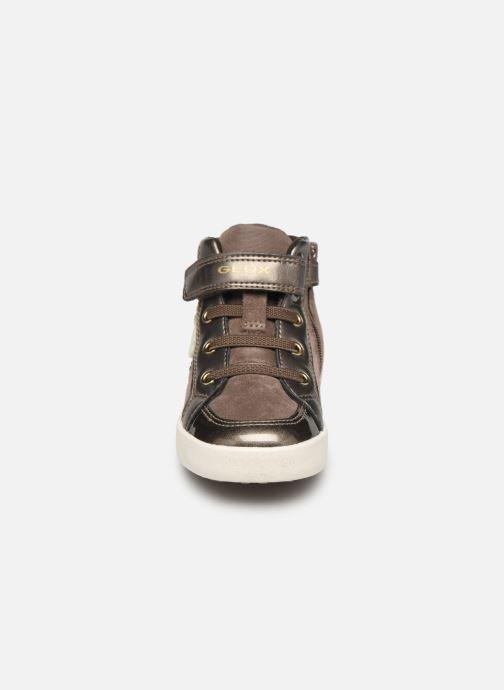 Baskets Geox B Kilwi Girl B94D5A Marron vue portées chaussures