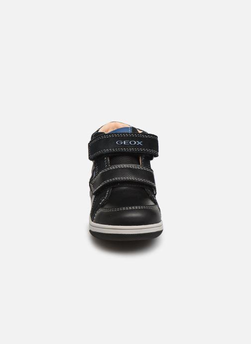 Sneakers Geox B New Flick Boy B941LC Zwart model