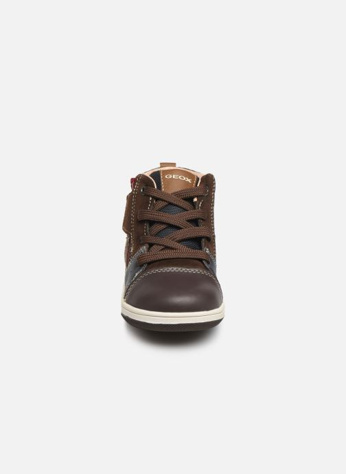 Sneaker Geox B New Flick Boy B941LA braun schuhe getragen