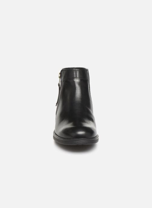 Ankelstøvler Geox JR Agata J9449C Sort se skoene på
