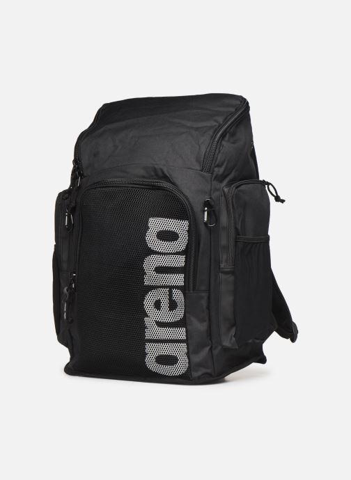 Zaini Arena Team Backpack 45 Nero modello indossato