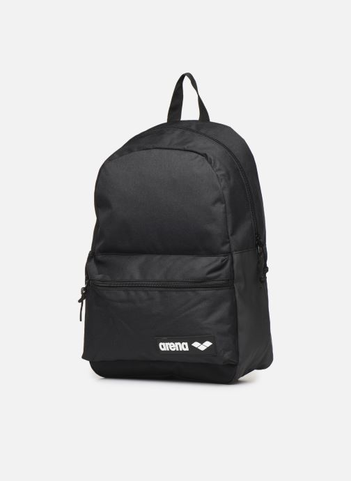 Mochilas Arena Team Backpack 30 Negro vista del modelo