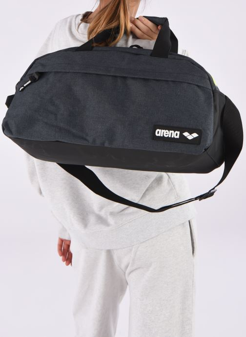 Sports bags Arena TEAM DUFFLE 25 Grey view from underneath / model view