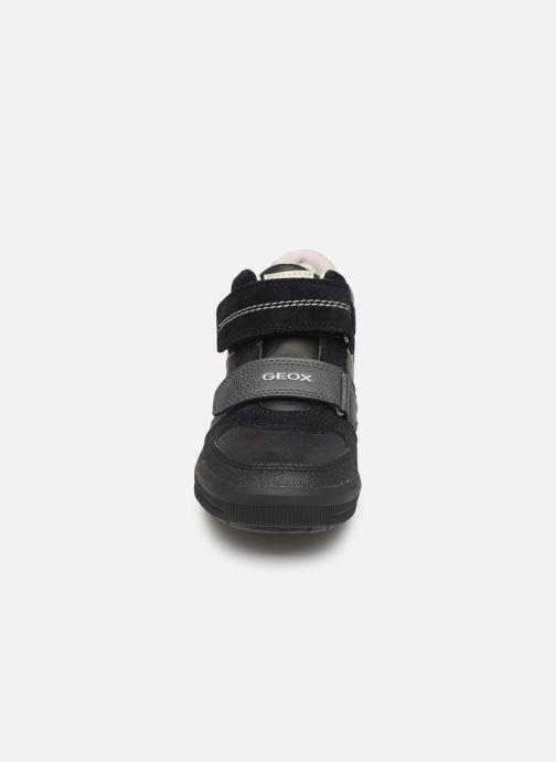 Baskets Geox J Arzach Boy J944AB Noir vue portées chaussures