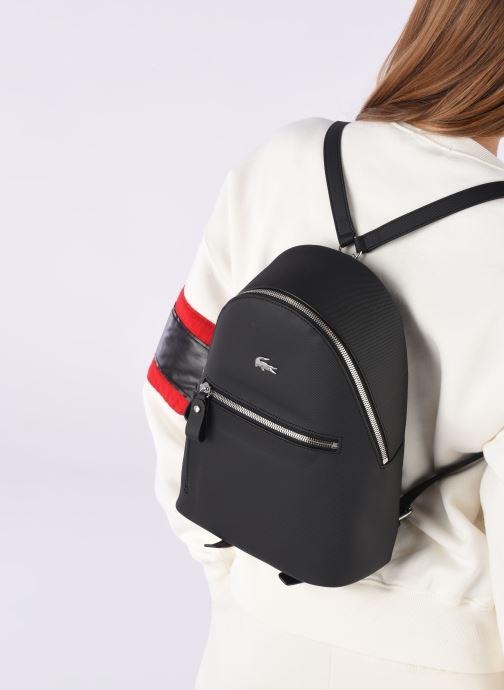 Rucksäcke Lacoste DAILY CLASSIC BACKPACK schwarz ansicht von unten / tasche getragen