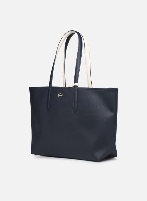 Sacs à main Lacoste ANNA SHOPPING BAG Bleu vue portées chaussures