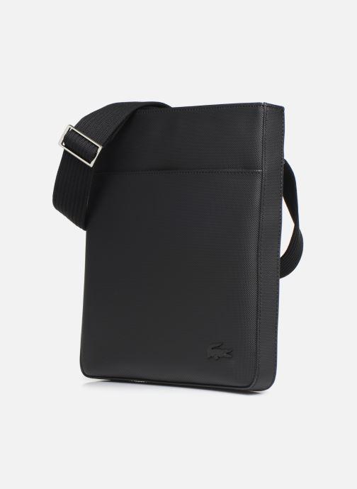 Sacs homme Lacoste MEN S CLASSIC FLAT CROSSOVER BAG New Noir vue portées chaussures