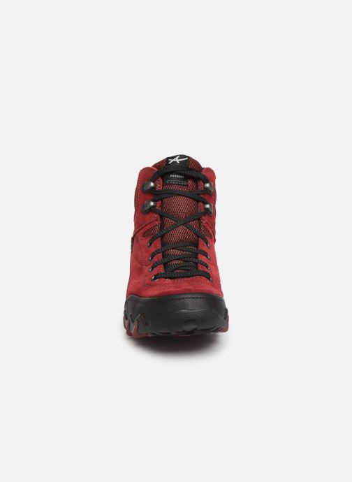 Chaussures de sport ALLROUNDER Nigata-Tex Rouge vue portées chaussures