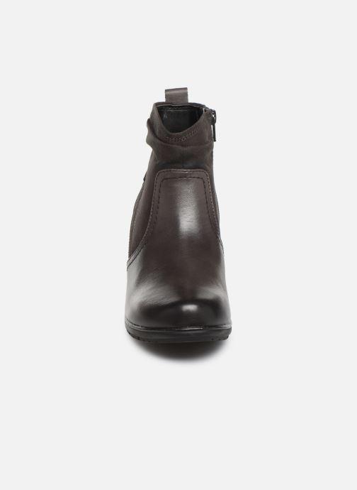 Stivaletti e tronchetti Jana shoes ZARI NEW Grigio modello indossato