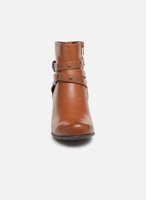 Stivaletti e tronchetti Jana shoes ELSA Marrone modello indossato