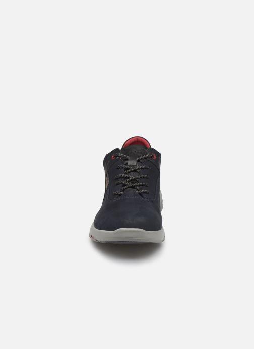 Sneakers Fluchos Delta 0668 Azzurro modello indossato