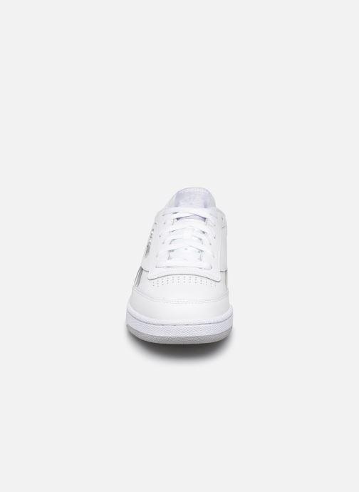 Baskets Reebok CLUB C REVENGE MU Blanc vue portées chaussures