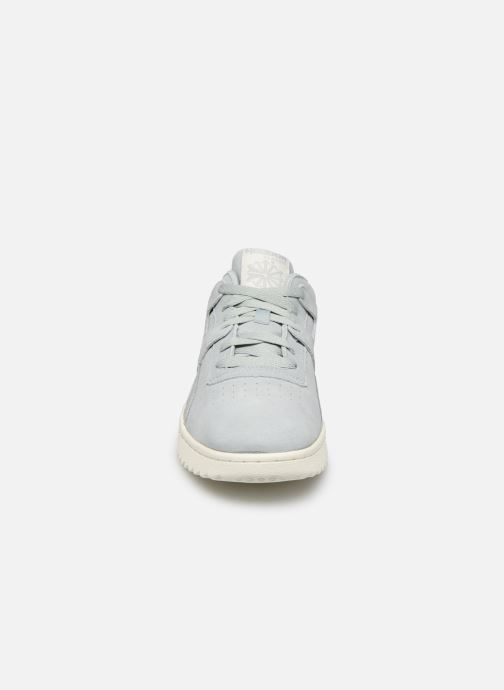 Baskets Reebok Workout Clean Ripple Mu Bleu vue portées chaussures