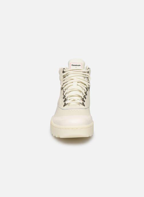 Baskets Reebok F/S Hi Nova Ripple Gigi Beige vue portées chaussures