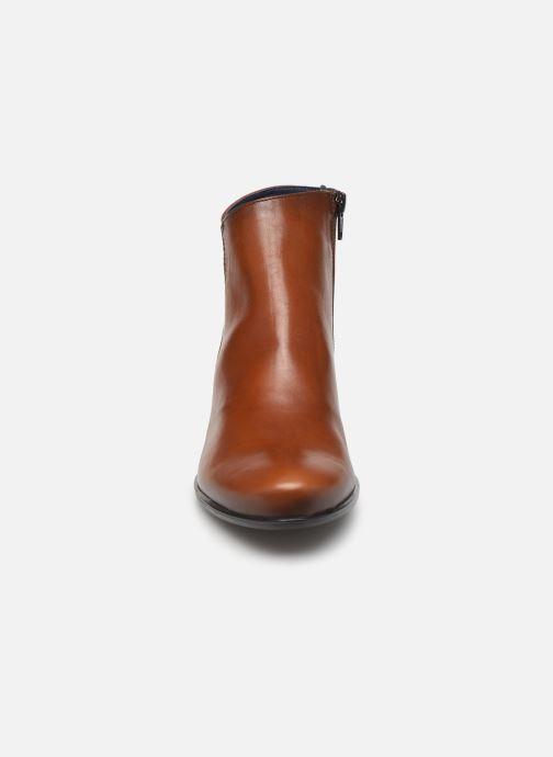 Bottines et boots Dorking Brisda 7927 Marron vue portées chaussures