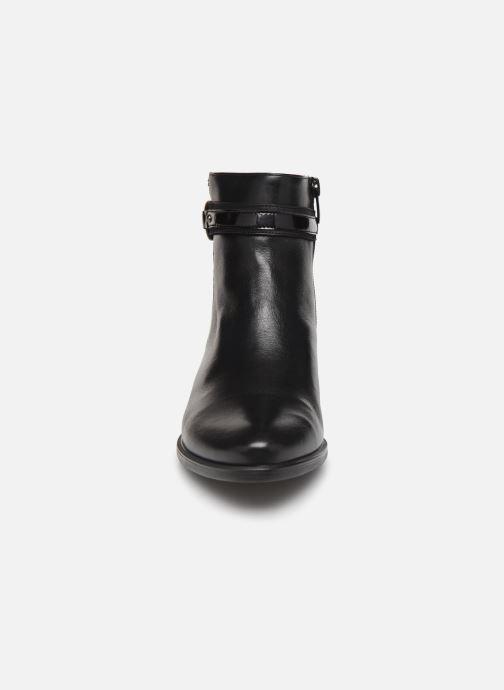 Bottines et boots Dorking Alegria 7952 Noir vue portées chaussures