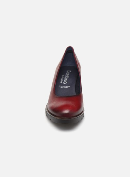 Escarpins Dorking Opium 7976 Rouge vue portées chaussures