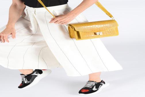 Bolsos de mano Georgia Rose Macroco Leather Amarillo vista de abajo
