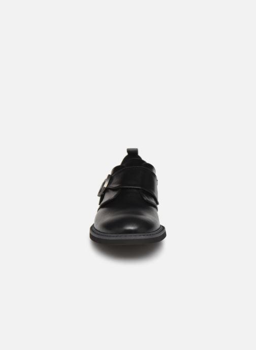 Schnürschuhe BOSS Derby J29187 schwarz schuhe getragen