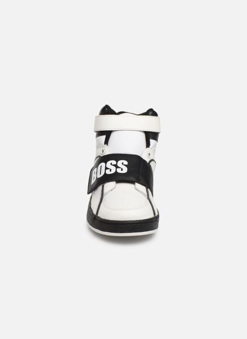 Sneakers BOSS Baskets J29188 Bianco modello indossato