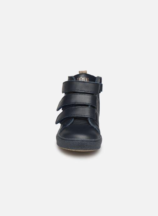 Sneakers Carrement Beau Baskets Y99052 Azzurro modello indossato