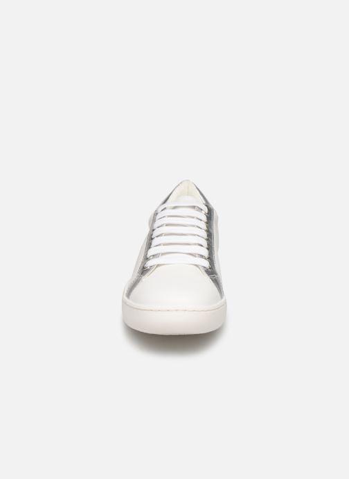 Sneakers Karl Lagerfeld Romantic Sparkle Bianco modello indossato