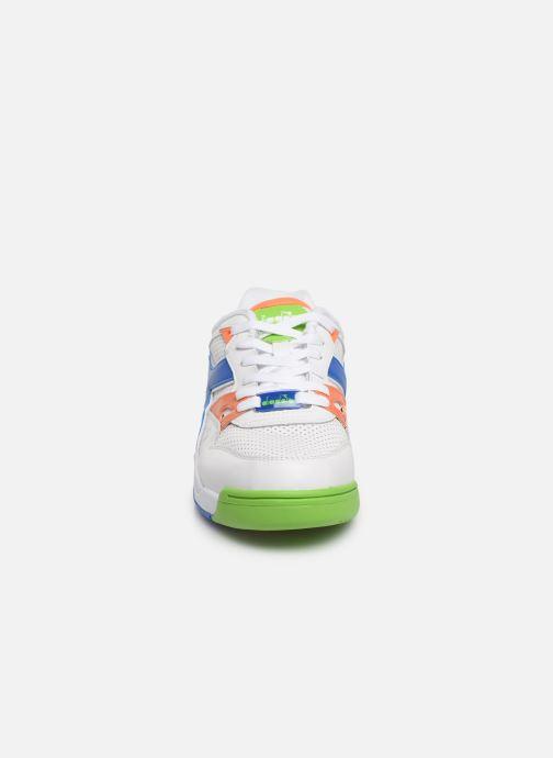 Sneakers Diadora Rebound Ace Bianco modello indossato