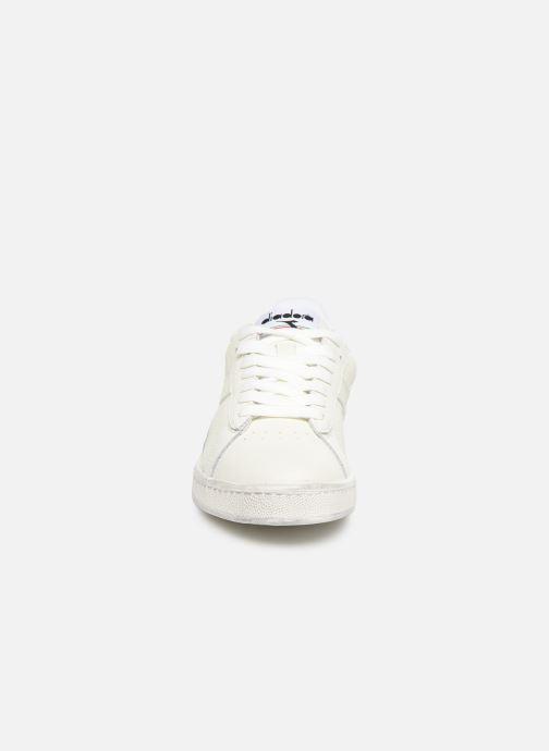 Baskets Diadora Game L Low Waxed F Blanc vue portées chaussures
