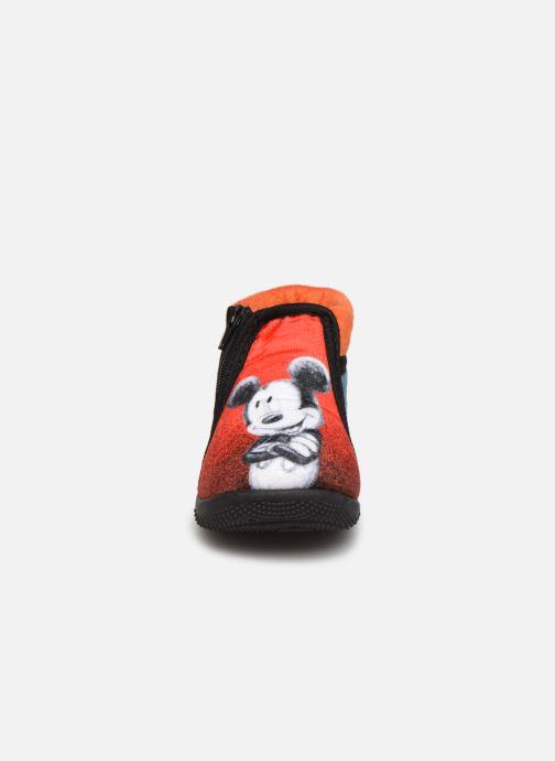 Hausschuhe Mickey Mouse Sensation rot schuhe getragen
