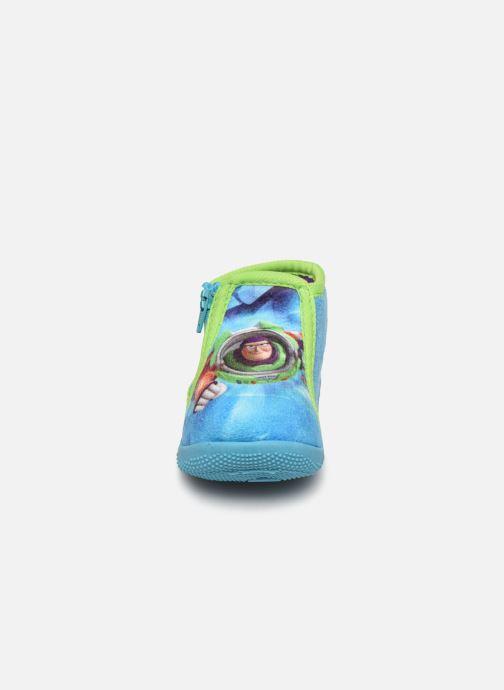 Pantofole Toy Story Sursaut Azzurro modello indossato