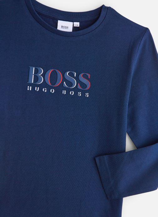 Vêtements BOSS T-shirt J25E45 Bleu vue portées chaussures