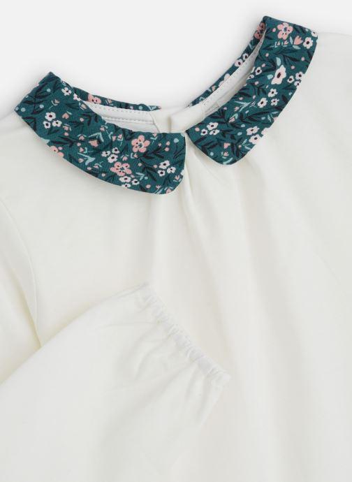 Vêtements CARREMENT BEAU T-shirt Y15307 Blanc vue portées chaussures