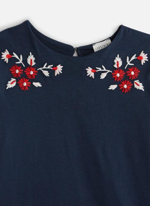 Vêtements CARREMENT BEAU T-shirt Y15309 Bleu vue portées chaussures