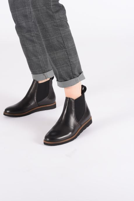 Ankle boots TBS Camilla Black view from underneath / model view
