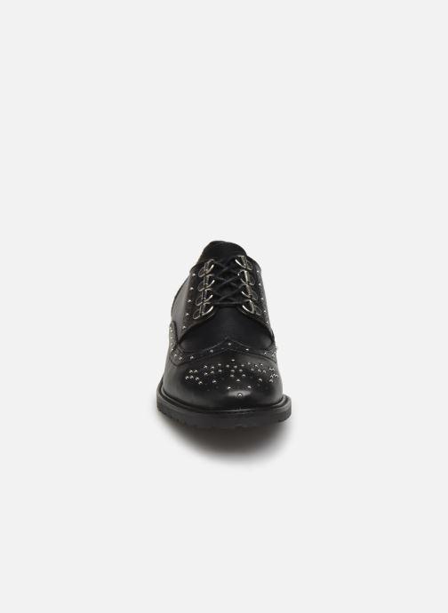 Zapatos con cordones COSMOPARIS VIVINETTE Negro vista del modelo